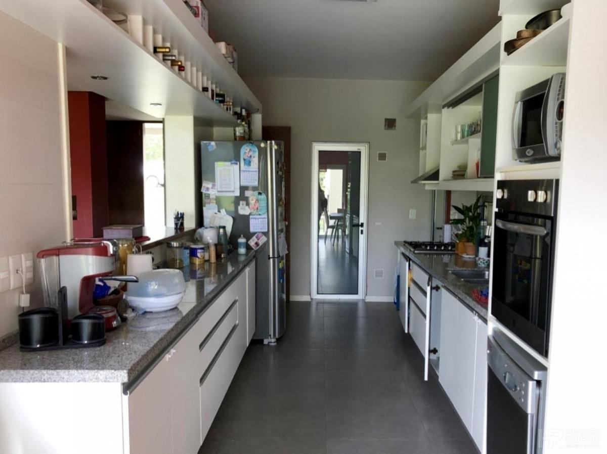 casa de 3 dormitorios en una planta en lomas de la tahona