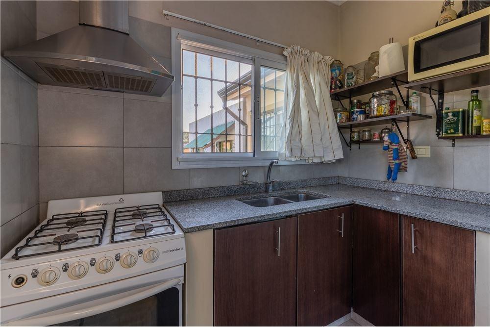 casa de 3 dormitorios en venta en villa elisa
