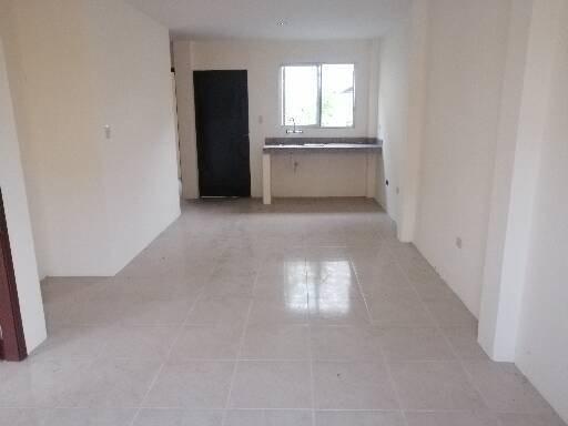 casa de 3 dormitorios, sala, comedor, cocina, 2 baños patio