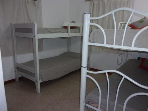 casa de 3 dormitorios y 2 baños a una cuadra de la playa
