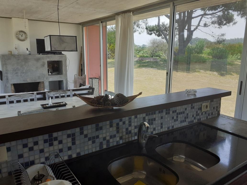 casa de 3 dormitorios y 2 baños para 6 personas con piscina