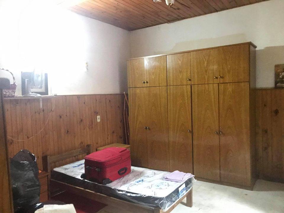 casa de 3 dormitorios y patio con parrillero  .