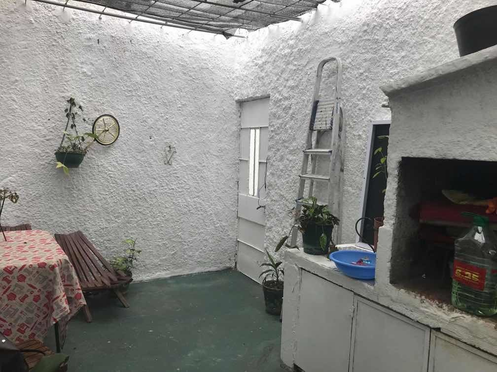 casa de 3 dormitorios y patio con parrillero