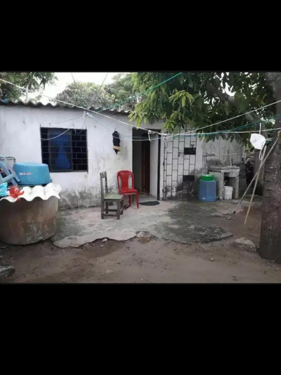 casa de 3 habitaciónes  1 baño
