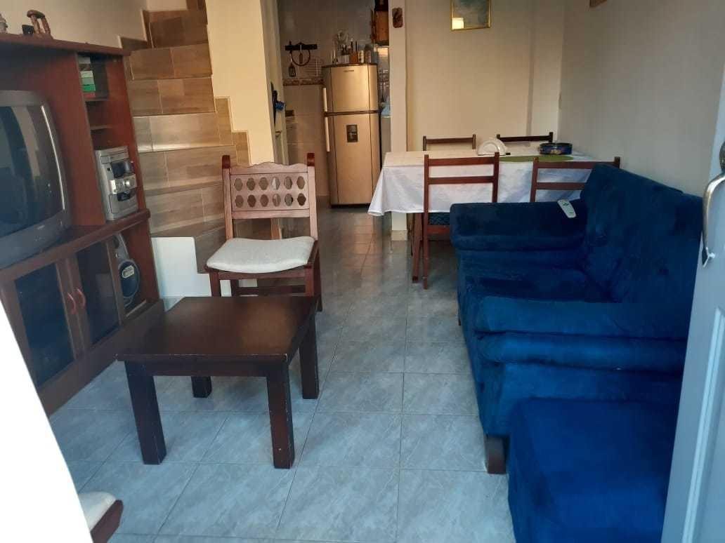 casa de 3 habitaciones, 1 baño, cocina, sala-comedor, patio
