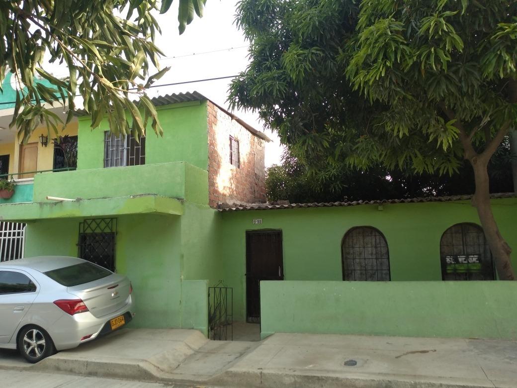 casa de 3 habitaciones 1 baño sala comedor, cocina, área de
