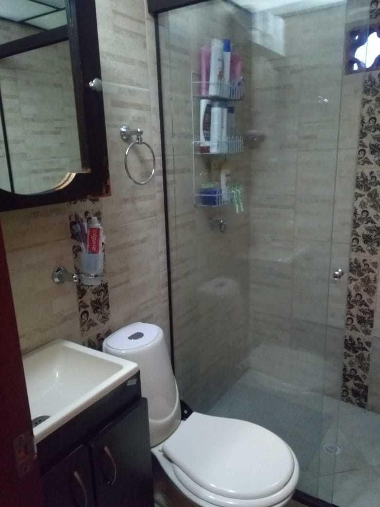 casa de 3 habitaciones 1 baño y medio sala comedor y cocina