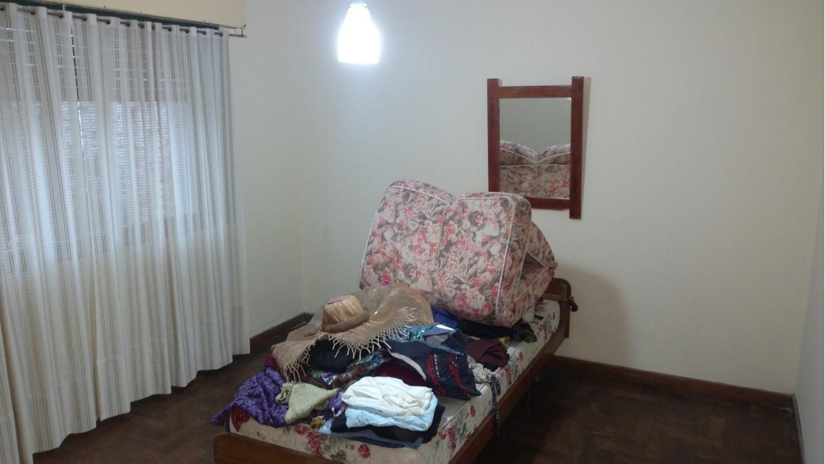 casa de 3 habitaciones, 1 baño,livin/comedor,cocina y garage