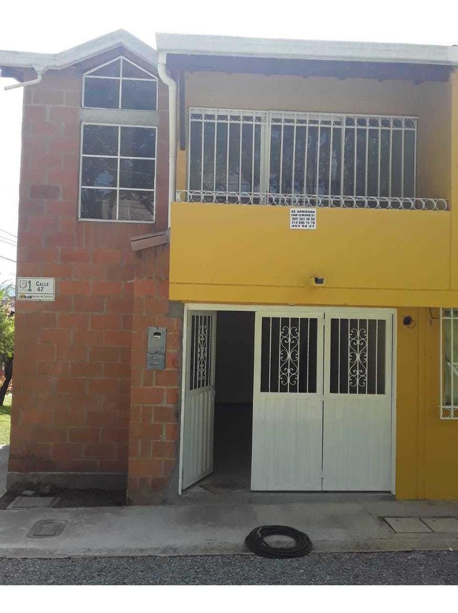 casa de 3 habitaciones, 2 baños, local-garage, patio...
