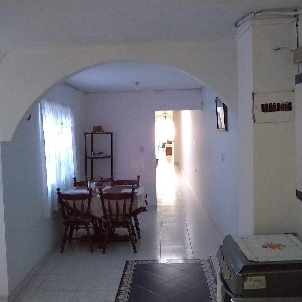 casa de 3 habitaciones 2 baños y terraza . segundo piso