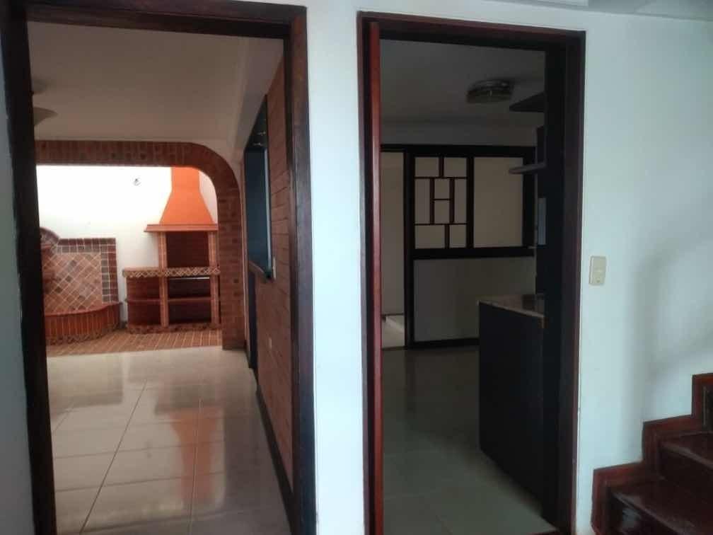 casa de 3 habitaciones, 3 baños, aire acondicionado