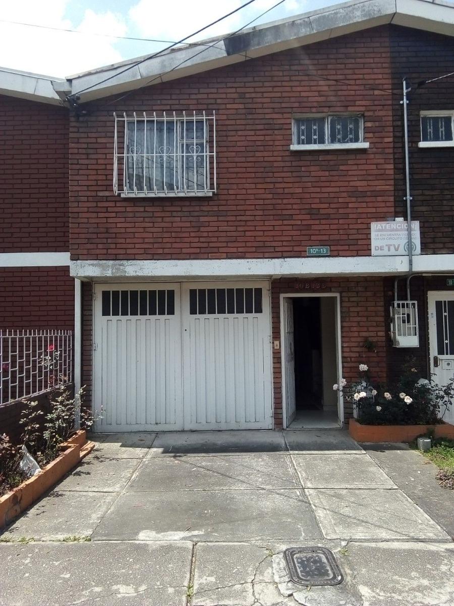 casa de 3 habitaciones , tres baños y garaje