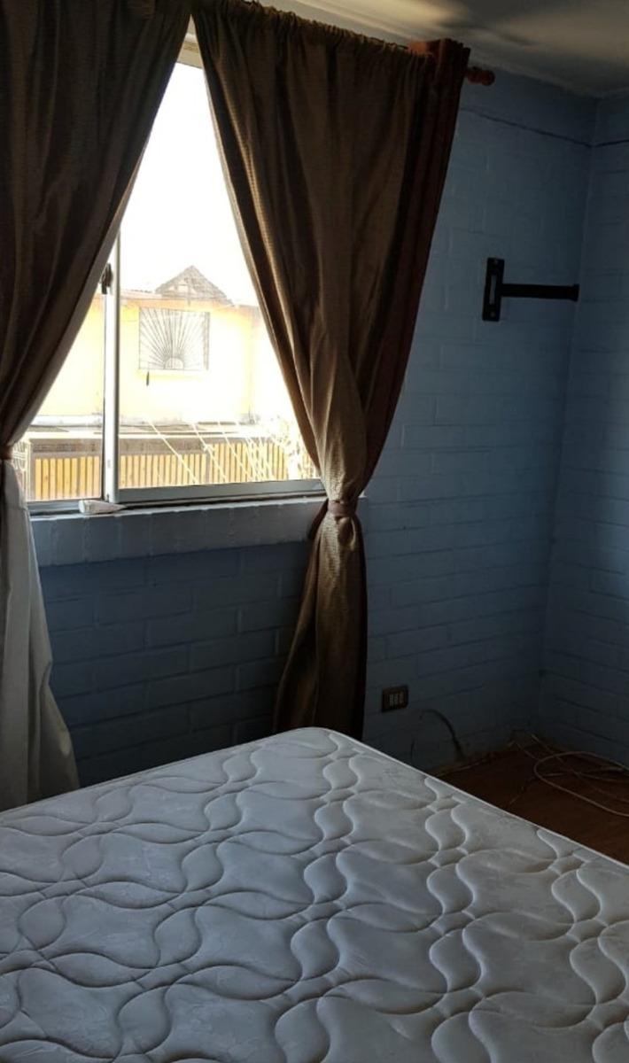 casa de 3 habitaciones y un baño