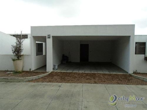 casa de 3 niveles en venta y renta en santuaria muxbal