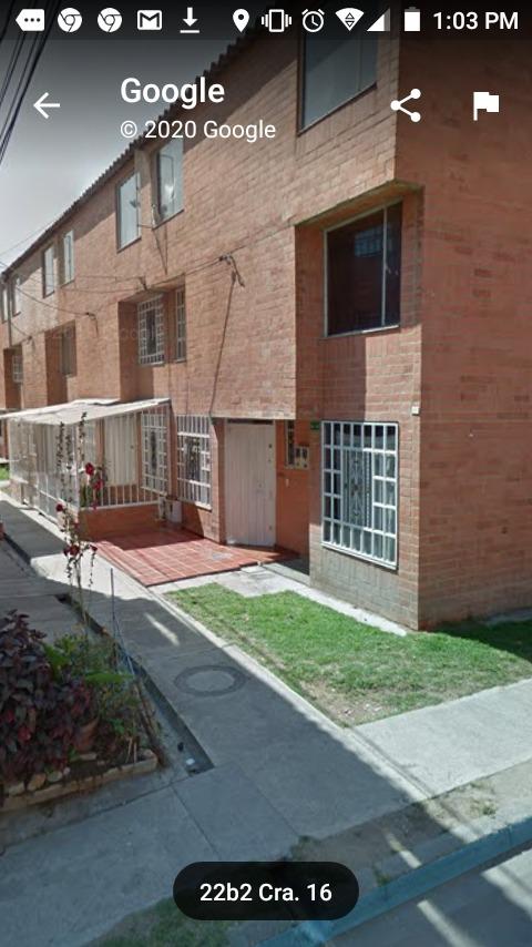 casa de 3 pisos 4 habitaciones 3 baños, cocina integral, pq