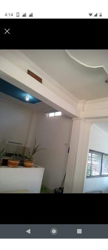 casa de 3 pisos a la venta