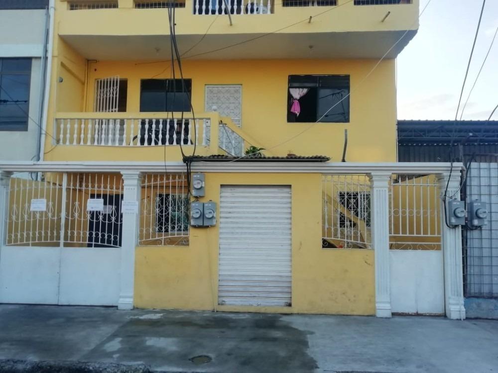 casa de 3 pisos cada piso es una casa. cerca del c.c shoping