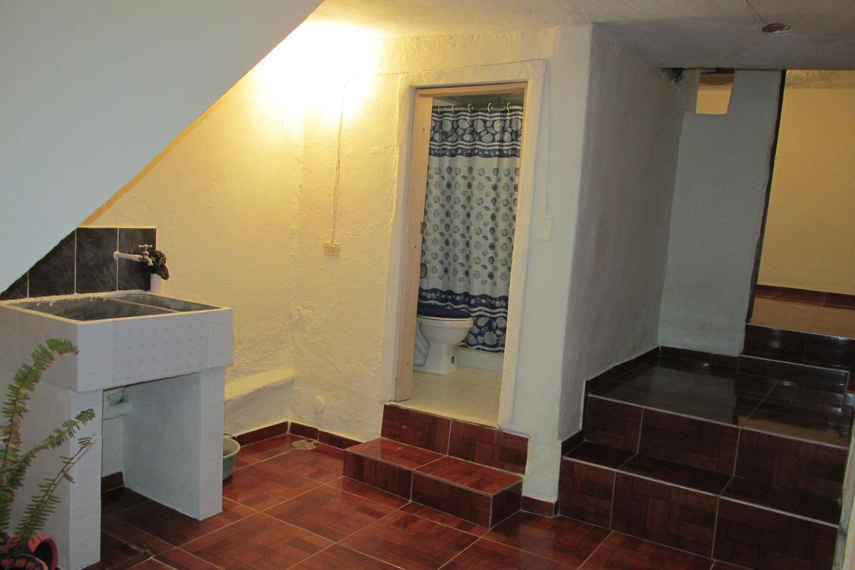 casa de 3 pisos con terraza - san cristobal sur