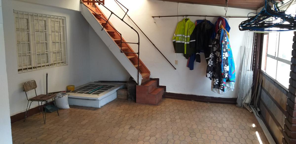 casa de 3 pisos en bogota barrio la clarita