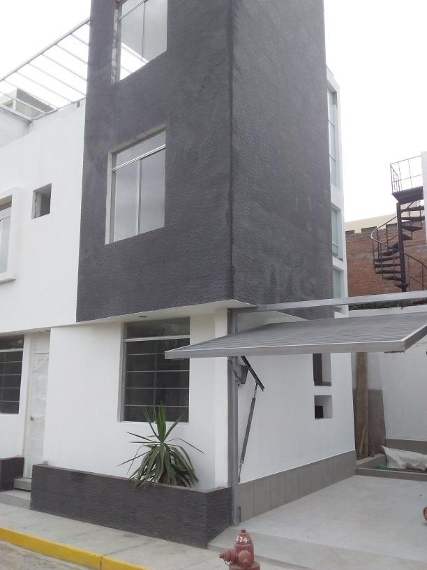 casa de 3 pisos en cerro colorado  137 metros cuadrados cons