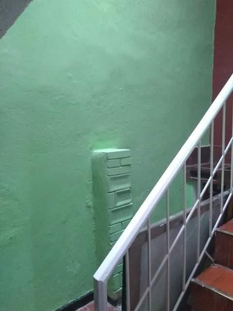 casa de 3 pisos más terraza