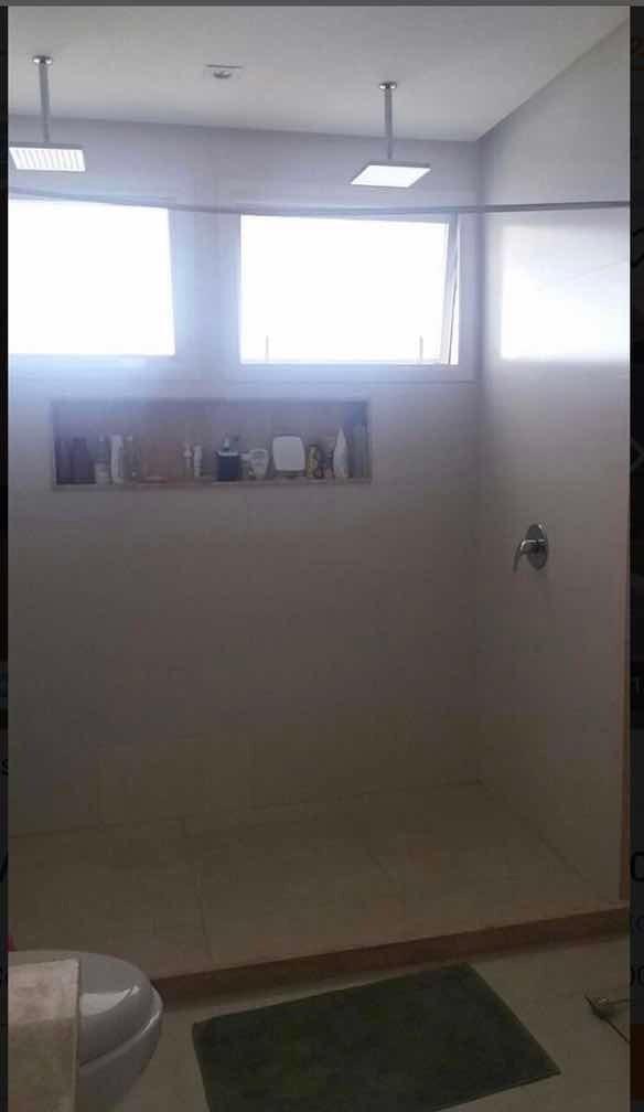 casa de 3 quartos 2 banheiro 1 sala