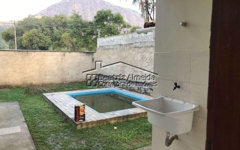 casa de 3 quartos, sendo 1 suíte, com piscina e churrasqueira em itaiocaia do valley