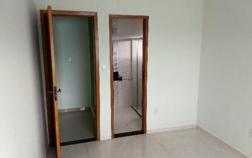 casa de 3 quartos sendo 1 suite em itaipuaçu marica rj