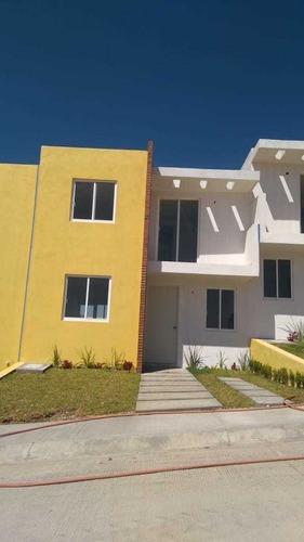 casa de 3 recamaras,con estudio,90 m2 de terreno