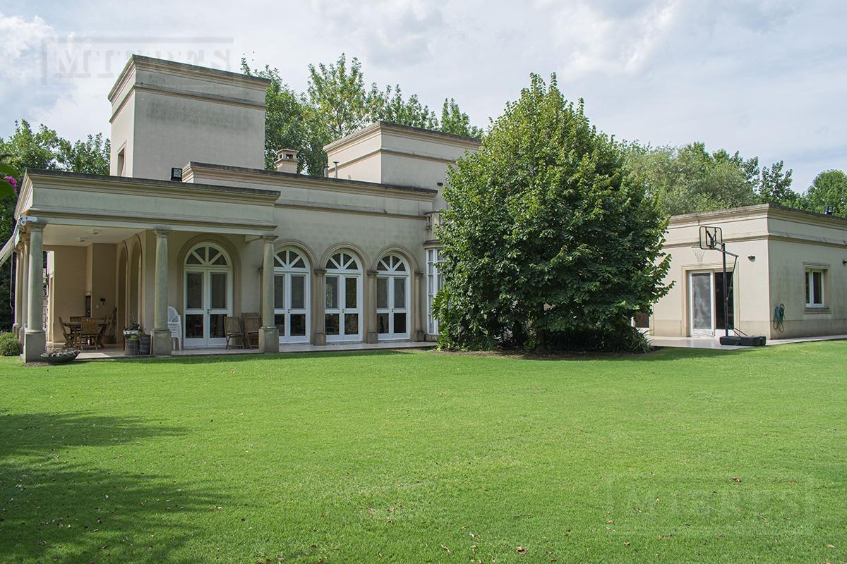 casa de 340 mts en martindale c.c