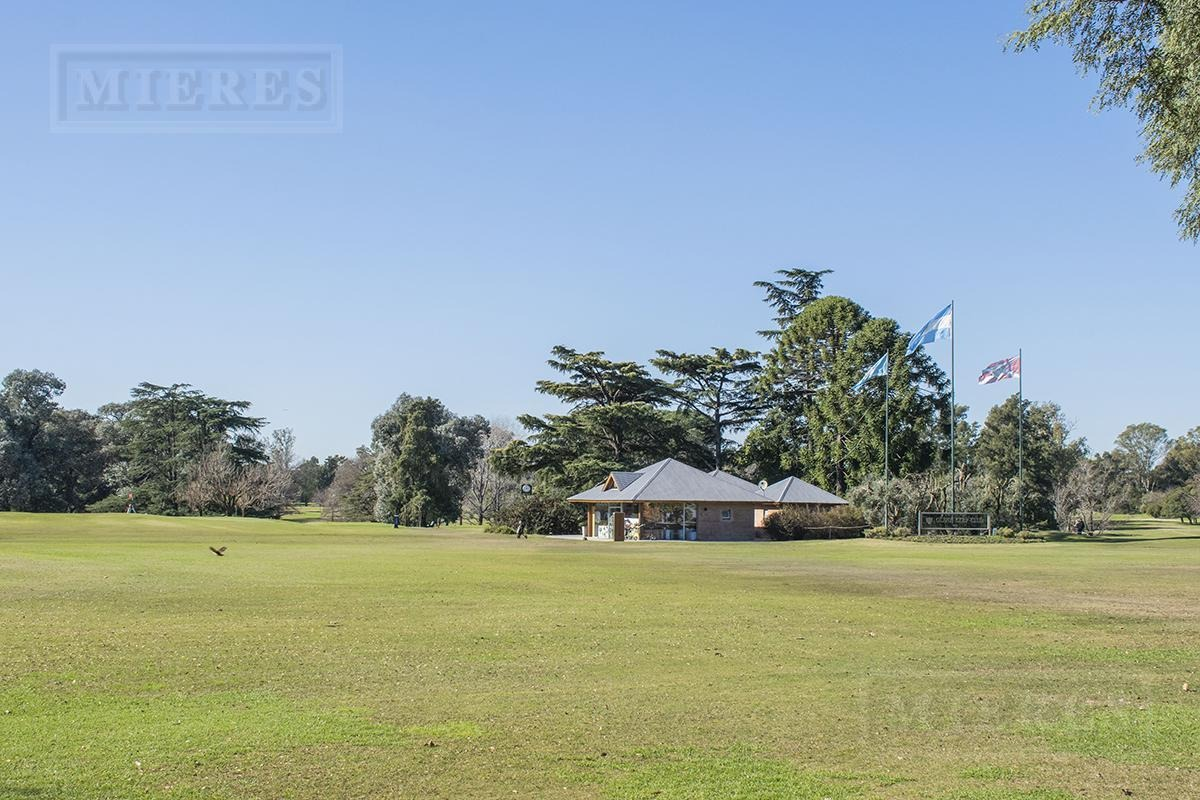casa de 377 mts en olivos golf club