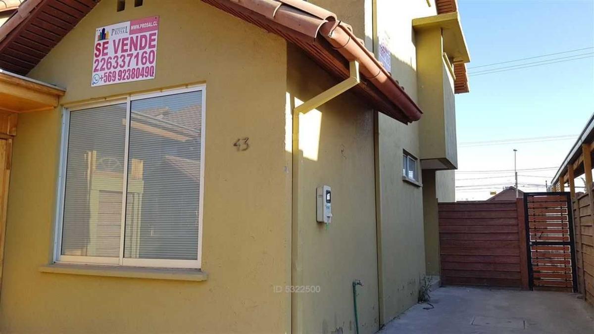 casa de 3°pisos cercana a estación metro