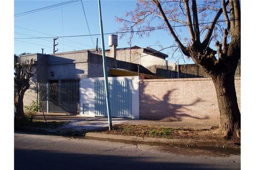 casa de 4 amb. en zona de el palomar apto credito