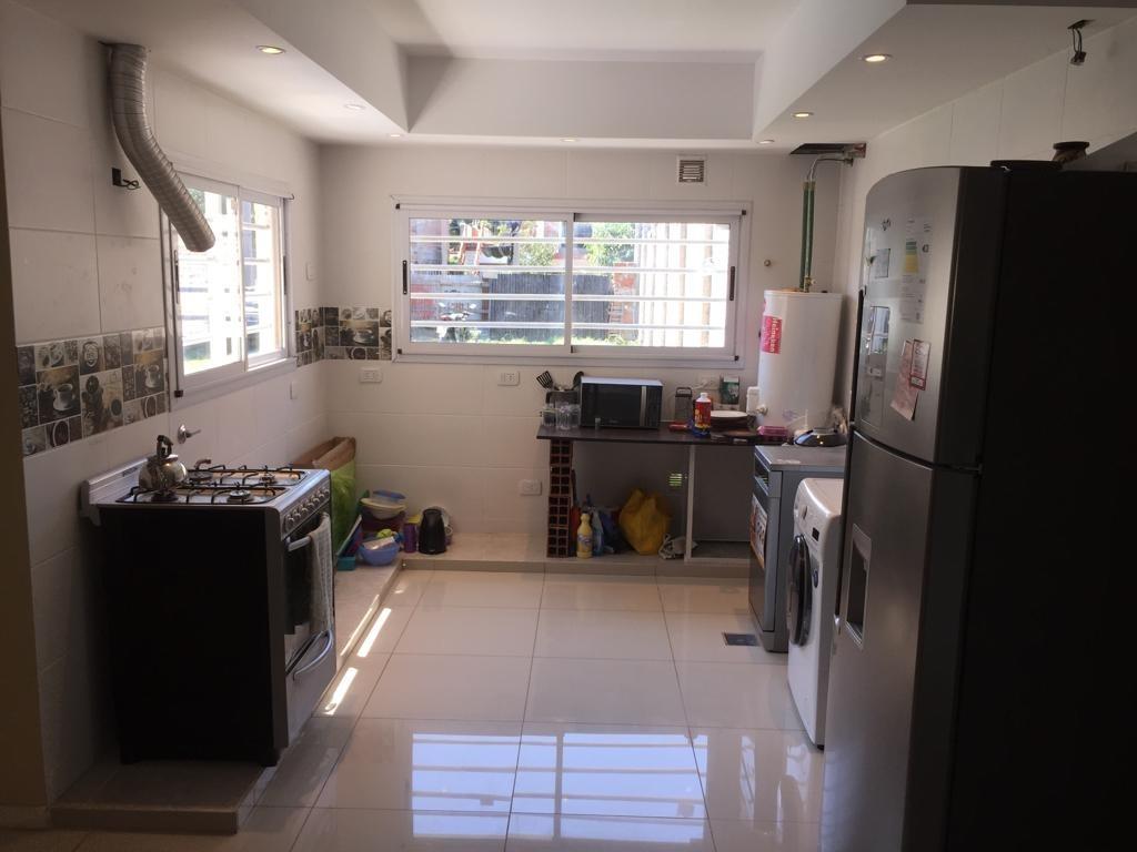 casa de 4 ambientes a terminar sobre lote de 300 m2