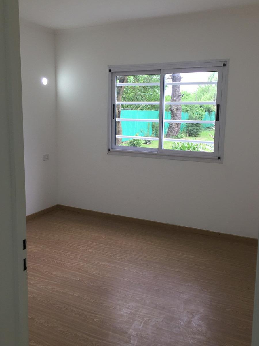 casa de 4 ambientes con baño,garaje, porsche y pileta