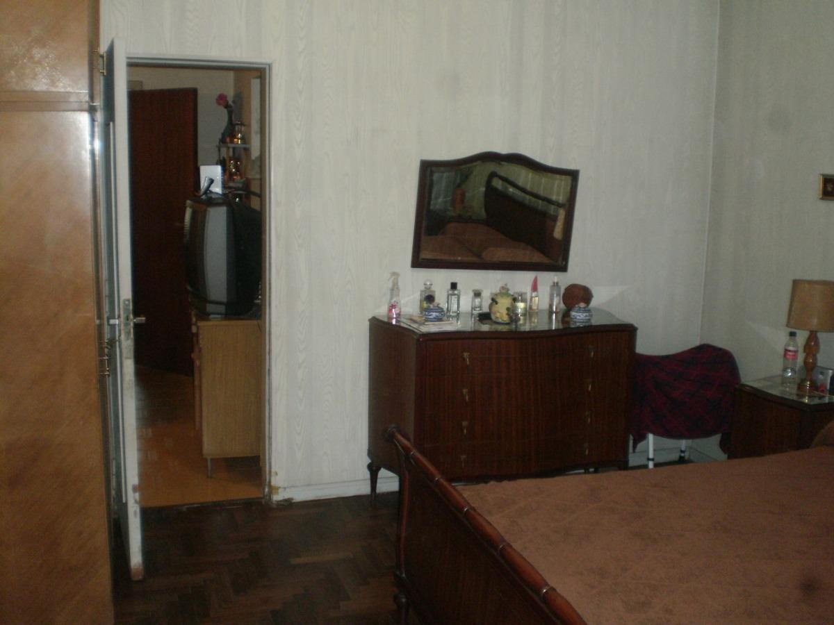 casa de 4 ambientes con cochera