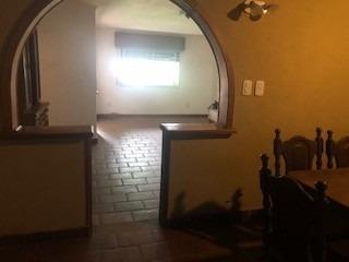 casa de 4 ambientes con jardin en venta luis guillon