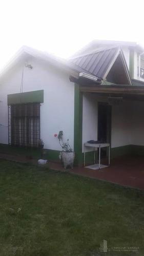 casa de 4 ambientes en buen estado, en villa udaondo - ituzaingó