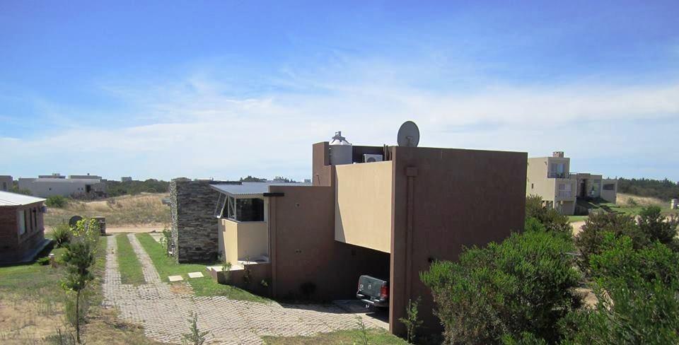 casa de 4 ambientes en costa esmeralda -venta
