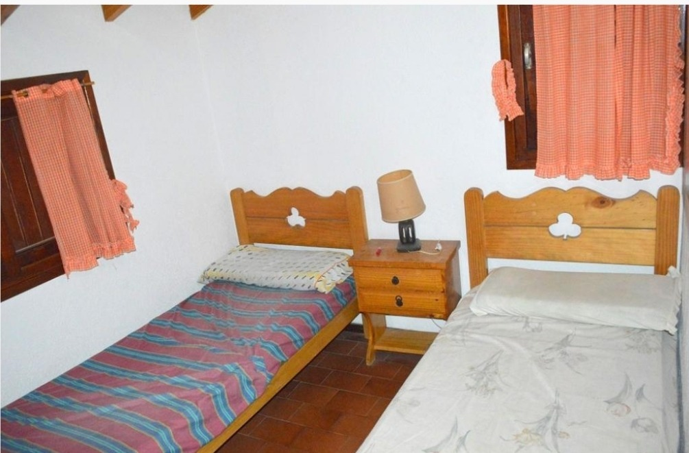 casa de 4 ambientes en venta, villa gesell, barrio privado
