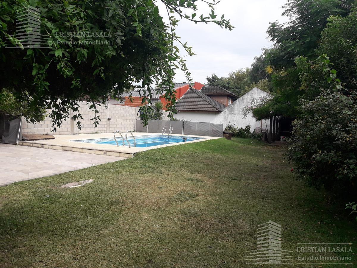 casa de 4 ambientes , en villa udaondo - ituzaingó