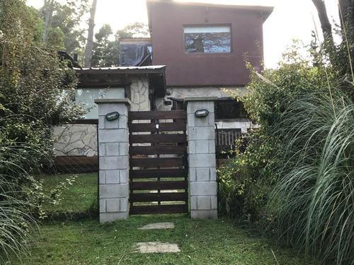 casa de 4 ambientes. garage, parque y piscina. bosque peralta ramos. u$s 185.000