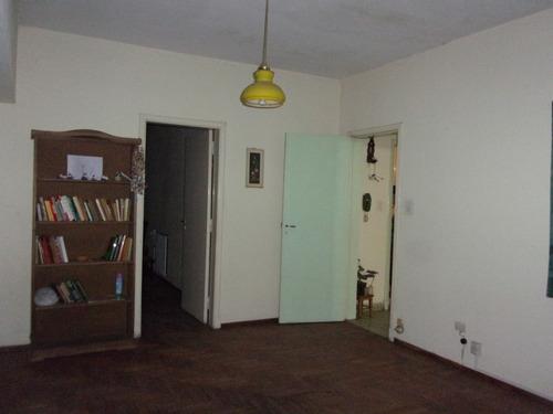 casa de 4 ambientes. opcional adquisición de lote lindero.