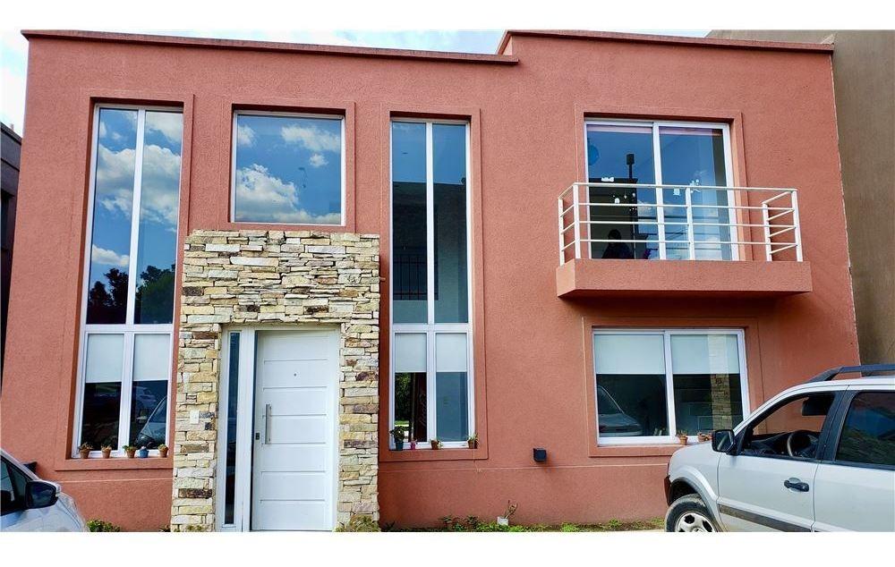 casa de 4 ambientes quincho+pileta barrio cerrado