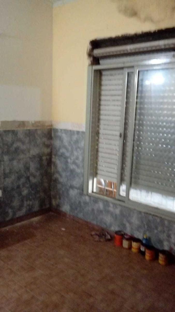 casa de 4 ambientes y 1 baño