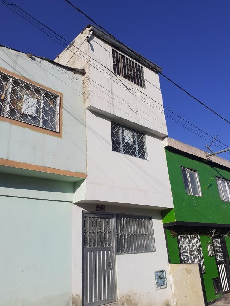 casa de 4 apto 2 locales rentable
