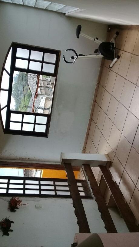 casa de 4 dormitórios  2 banheiros