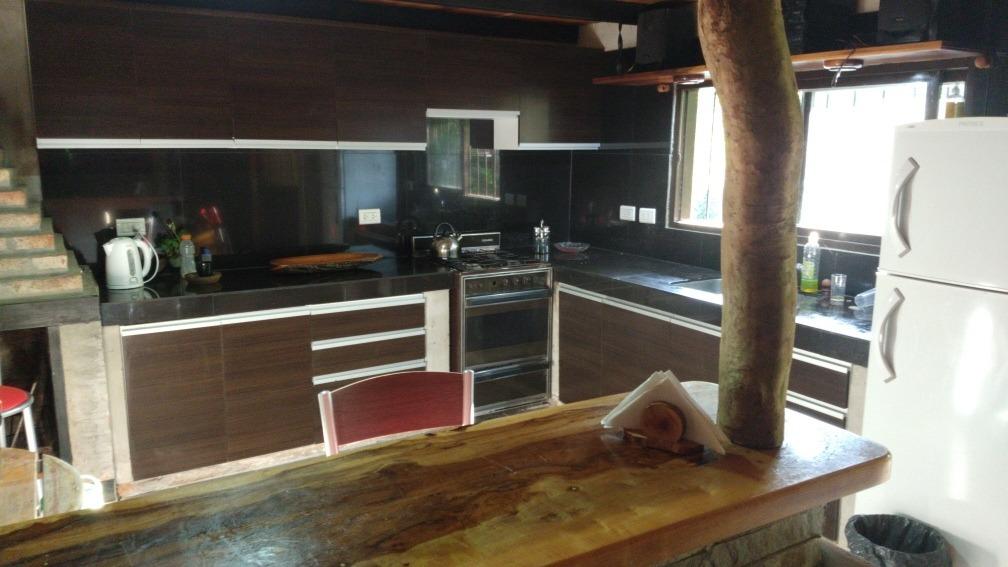 casa de 4 dormitorios amplio salon cocina comedor y barra