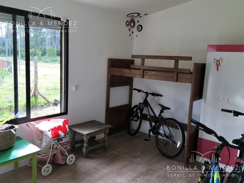 casa de 4 dormitorios en parque burnet, sobre calle con cul de sac