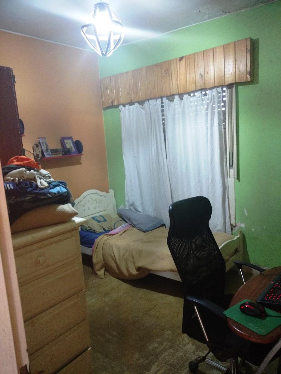 casa de 4 dormitorios sobre lote 10 x 30